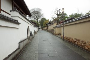 北政所が晩年を過ごした高台寺近くのねねの道