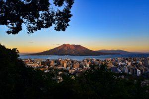村田新八終焉の地の城山から桜島を望む