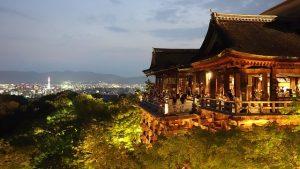月照に縁のある清水寺の夜景