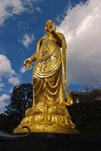 山岡鉄舟が建立した全生庵の観音像