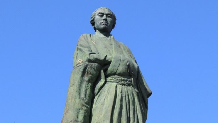 明治維新十傑の坂本龍馬像