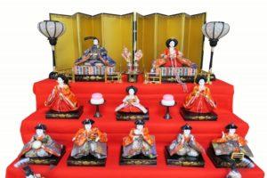 三段飾りの雛人形