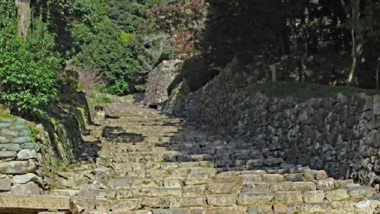 織田信長の居城安土城の大手道