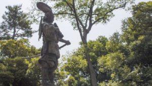 清州城の織田信長像