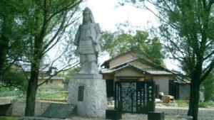 坂本城址の明智光秀像