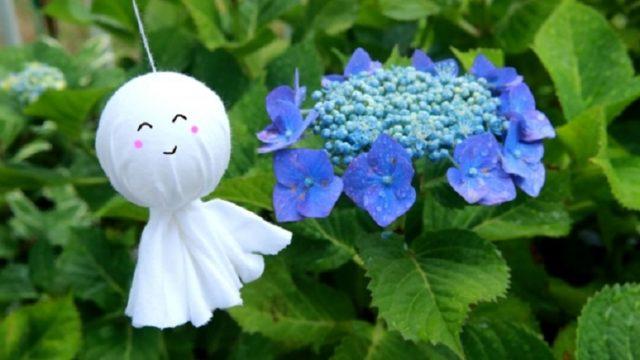 梅雨の走りの頃のてるてる坊主と紫陽花
